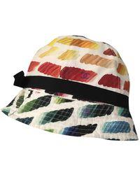 Chanel Sombrero en seda multicolor