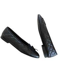 Chanel Bailarinas en cuero negro