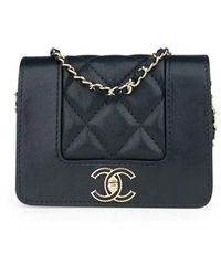 Chanel Bolsa de mano en cuero negro Wallet on Chain