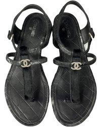6f8c37471fe4ee Chanel Pre-owned Leather Flip Flops in Purple - Lyst