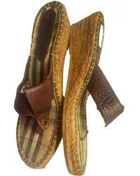 Burberry Leather Flip Flops - Brown