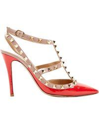 Valentino Scarpe col tacco in vernice rosso Rockstud