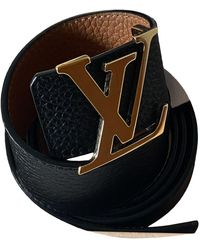 Louis Vuitton Cinturón Initiales de Cuero - Negro
