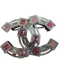 Chanel Broche en cristal plateado CC - Multicolor