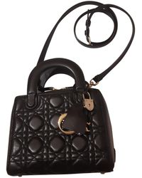 Dior Bolsa de mano en cuero negro
