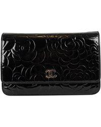 Chanel Bolsa de mano en charol negro Wallet on Chain