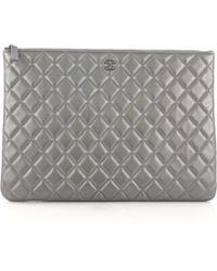 76cdf62b64e5 Chanel Leather Clutch Bag in Metallic - Lyst
