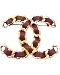 Chanel Broche en cuero burdeos CC - Multicolor