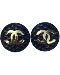 Chanel - Black Plastic Earrings Matelassé - Lyst