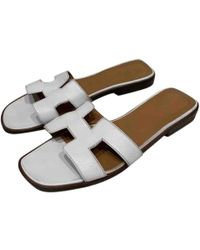 cab26ff85ad3 Hermès - Oran White Leather Sandals - Lyst
