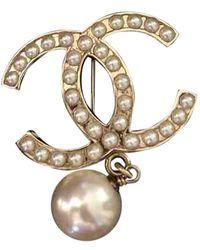 Chanel Broche en metal dorado CC - Multicolor