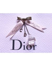 Dior Broche métal rose