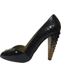 Miu Miu Escarpins à bouts ouverts python Embellished noir