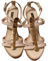 Louis Vuitton Sandales compensées cuir beige - Neutre