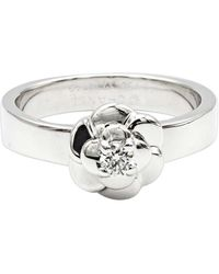 Chanel - Bague or blanc Camelia argent - Lyst