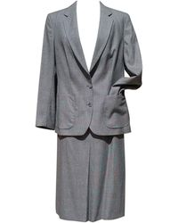 Burberry Tailleur jupe laine gris
