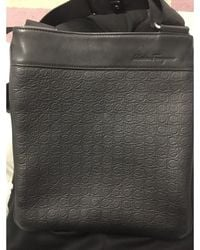 Ferragamo - Sacoche cuir noir - Lyst