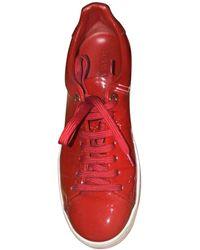 Louis Vuitton Baskets cuir verni rouge