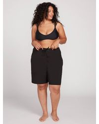 """Volcom Simply Solid 11"""" Boardshorts Plus Size - Black"""