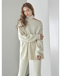 YAN13 Choker Slit Long Knitwear - Natural
