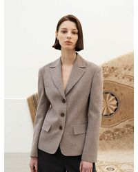 AVA MOLLI [summer Wool] Fitted 3 Buttoned Short Jacket - Natural