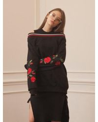 TARGETTO - Roses Off Shoulder Sweat Shirts Black Red - Lyst