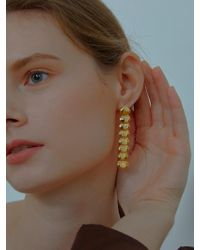 VIOLLINA - Unbalance Glam Shell Earrings Gold - Lyst
