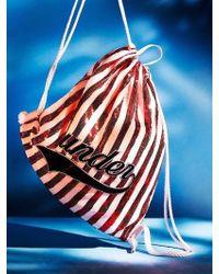 UNDER82 Shinning Drawstring Wappen Bag Red