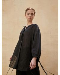 AEER Front Strap Linen Blouse Black