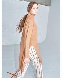AYIHOLIC CASHMERE Cashmere Side Slit Turtleneck Camel - Multicolour