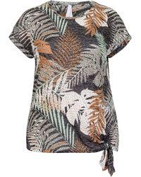 Miss Etam Plus T-shirt Met Bladprint Bruin/multi