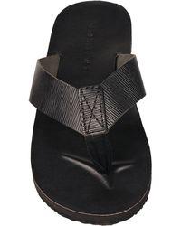 Wilsons Leather - Black Rivet Leather Flip Flop W/ Textured Accent - Lyst