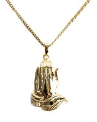 Serge Denimes - Gold Praying Hands Necklace - Lyst