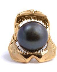 Lee Renee Shark Jawbone And Pearl Tie Pin Gold - Metallic