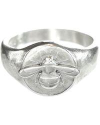 Lucy Flint Jewellery Bee Signet Ring Sterling Silver - Metallic