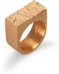 Edge Only Rugged Ring In Gold - Metallic