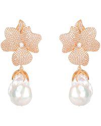 LÁTELITA London Baroque Pearl White Flower Drop Earring Rosegold