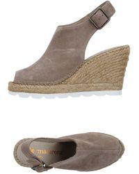 Macarena Sandals - Gray