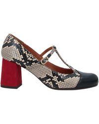 Chie Mihara Court Shoes - Black