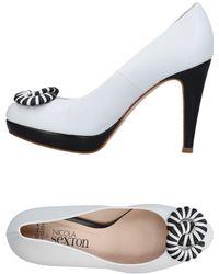 NICOLA SEXTON Court Shoes - White
