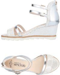 NICOLA SEXTON Sandals - Metallic