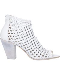 Strategia Ankle Boots - White