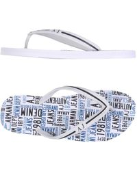 818e35ec912b08 Armani Jeans Logo Print Flip Flops in White for Men - Lyst