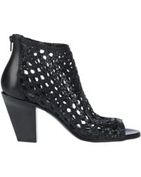 Strategia Ankle Boots - Black
