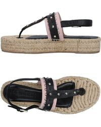 Alexander McQueen - Toe Strap Sandals - Lyst