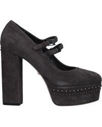 Le Silla Court Shoes - Black