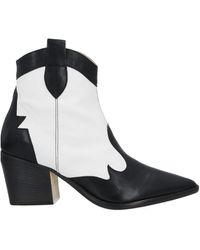 Laura Bellariva Ankle Boots - Black