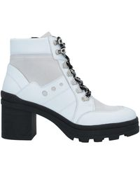 Janet & Janet Ankle Boots - White