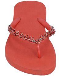 Uzurii Toe Post Sandals - Red
