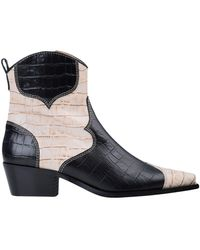 Alohas Ankle Boots - Black